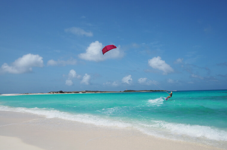 Nina from Soulmush kitesufing in Los Roques