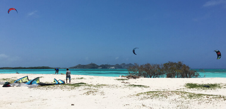 Kitesurfers around Franziski