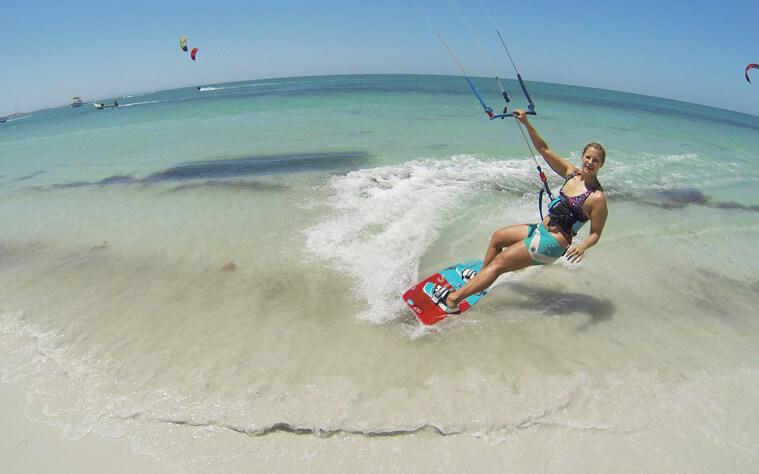 Me kitesurfing in Coche