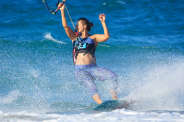 Having fun during the kitesurf session