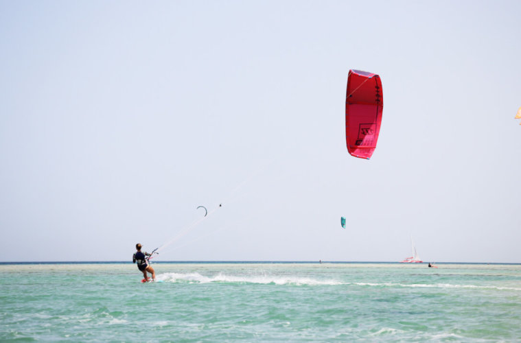 Kitesurfing in the flatwater of El Gouna