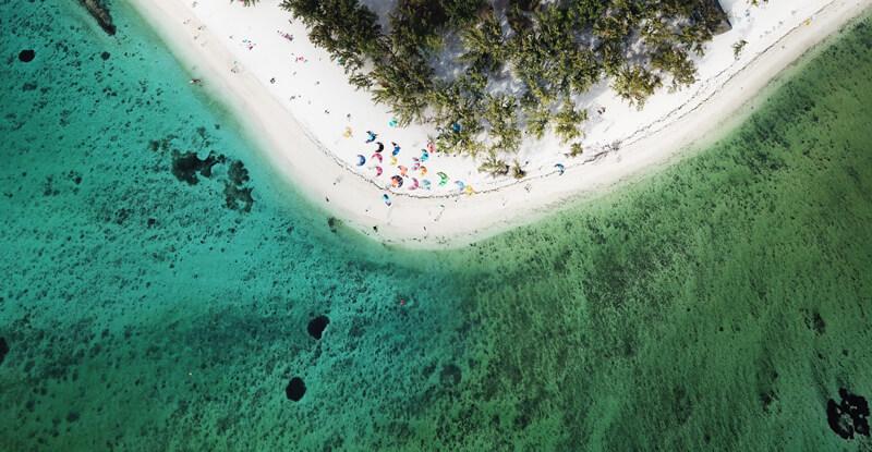 The kitesurf spot Le Morne point in Mauritius