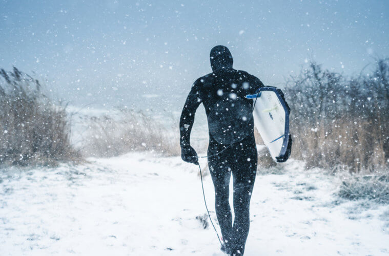 winter and cold water surfing and kitesurfing – the best tips how to survive the cold and have fun