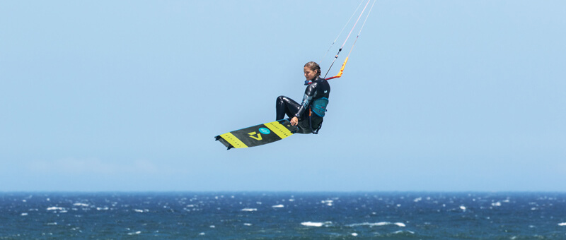kitesurf girls learn jumps progress kiteboarding