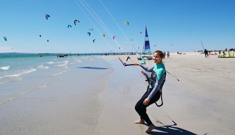 kitesurf girls sun protection with sun sticks