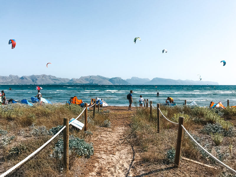 Kitesurf Mallorca: spot guide to Pollenca, the main kite spot on the Balearic Island in Spain