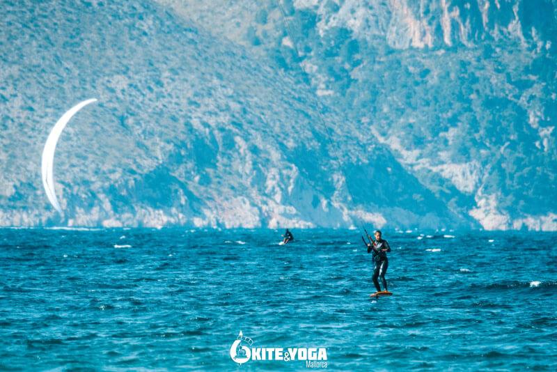 Learn kitesurfing on Mallorca, Spain. Kitesurf Mallorca Spot Guide